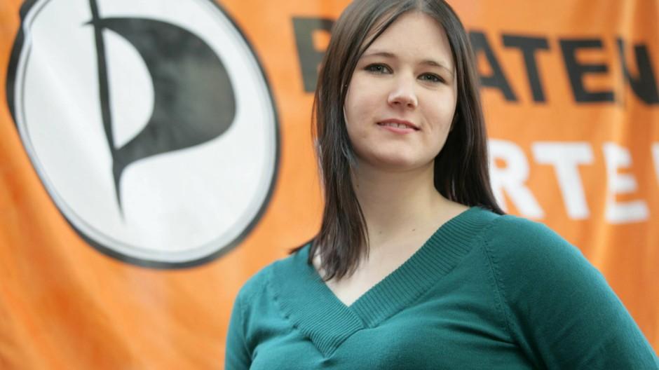 Für die einen eine Hoffnungsträgerin, von den anderen eher belächelt: die saarländische Landesvorsitzende der Piraten, Jasmin Maurer