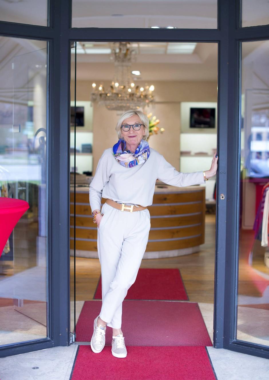 Hannelore Santen, ein NRW-Import, verkauft Bogner-Mode in Rottach-Egern.