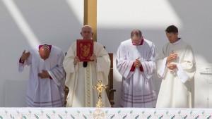 Papst räumt Missbrauch von Nonnen durch Priester ein
