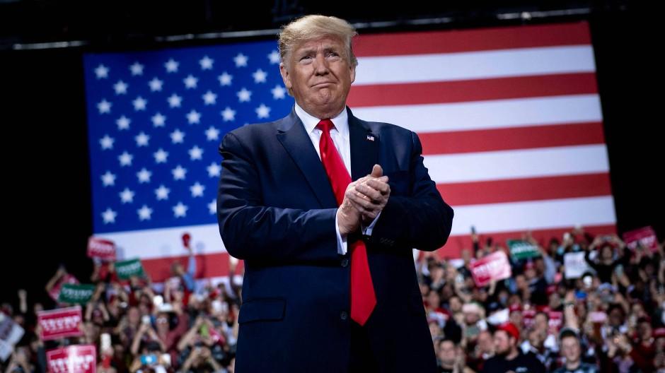 Laut dem Ökonomieprofessor Ray Fair sieht es gut für Donald Trump aus: Zur Wiederwahl könnte ihm die momentan stabile wirtschaftliche Lage verhelfen.