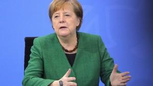 Merkel ermutigt Migranten zu deutscher Staatsbürgerschaft