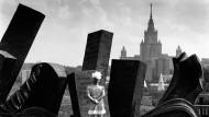 """Ein Koloss erhebt sich: Die Moskauer Lomonossow-Universität, hier vom """"Park des Sieges"""" aus betrachtet, sucht den internationalen Anschluss."""