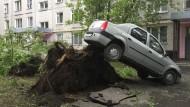 Mehrere Tote nach Sturm in Moskau