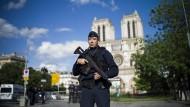 Angreifer von Paris soll aus Algerien stammen