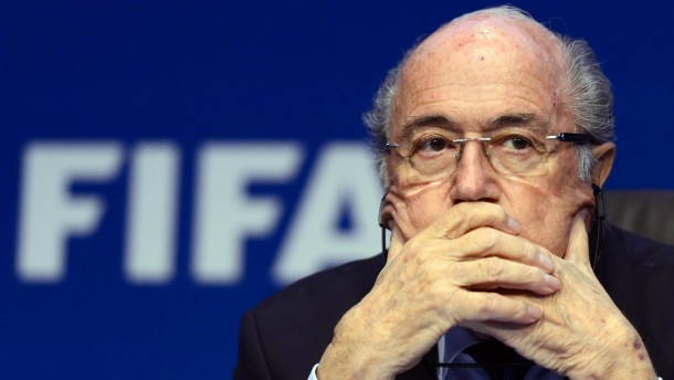 Soll Josph Blatter künftig eine größere Rolle spielen?