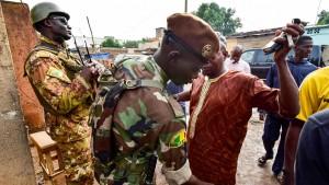 Mehr als 30.000 Sicherheitskräfte begleiten Präsidentenwahl