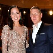 Damals noch zu zweit: Bastian Schweinsteiger und seine Frau Ana Ivanovic kommen im November 2016 nach Berlin zur Bambi-Verleihung. Jetzt hat das Paar sein erstes Kind bekommen.