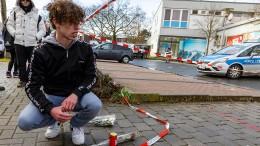 """""""Klar die Handschrift eines rechtsterroristischen' einsamen Wolfs'"""""""