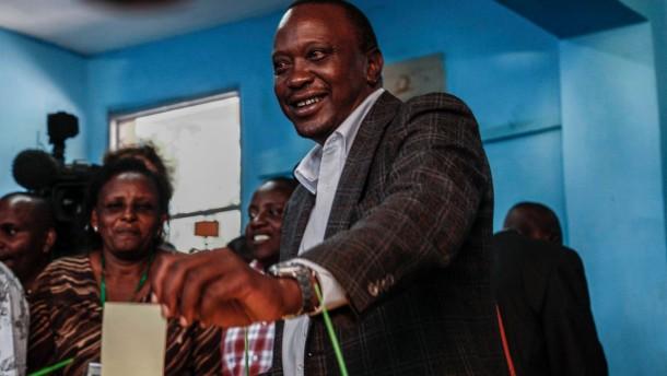 Kenyatta bei Präsidentenwahl in Führung