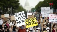 Tausende protestieren abermals in Washington gegen Polizeigewalt.