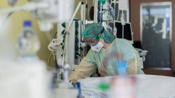 RKI meldet mehr als 18.000 Neuinfektionen und 261 Todesfälle