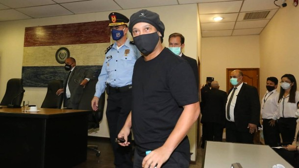 Ronaldinho aus Hausarrest entlassen