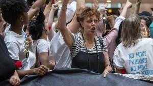 Amerikanische Polizei nimmt fast 600 Menschen im Senat fest