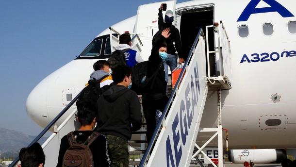 Minderjährige Flüchtlinge unterwegs nach Deutschland
