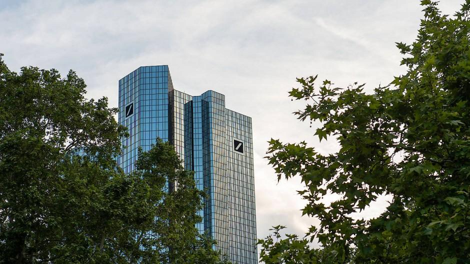 Lange Tradition, schwierige Zukunft: Zentrale der Deutschen Bank an der Taunusanlage in Frankfurt