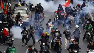 Gewalt bei Protesten gegen Regierung in Thailand