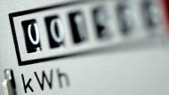 Ein Haushalt kann durch einen Anbieterwechsel je nach Stadt und Verbrauch 20 bis 31 Prozent der Stromkosten sparen.
