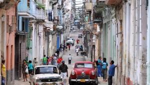 Kuba will Doppelwährung abschaffen