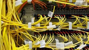 Nachrichtendienst darf weiter Daten von Internet-Knoten abzapfen