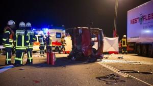 Frau stirbt nach Unfall auf A3