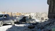 Syrische Soldaten bei ihrer Fahrt durch den Norden von Aleppo