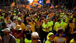 Separatisten gehen für Referendum auf die Straße
