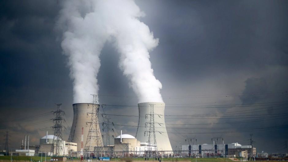 Das Atomkraftwerk Doel in Belgien soll 2025 vom Netz gehen.