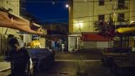 Mafiaterritorium: Tagsüber preisen in Ballarò im Herzen Palermos Marktschreier ihre Waren an, nachts italienische und nigerianische Drogenhändler.