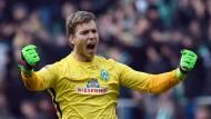 Glück gehabt: Werder-Torhüter Wiedwald spielte unglücklich, durfte aber doch noch einen Punkt mitnehmen.