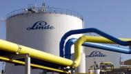 Neues aus Connecticut? Arbeitnehmer von Linde in München machen die Fusionspläne mit Amerikanern unruhig.
