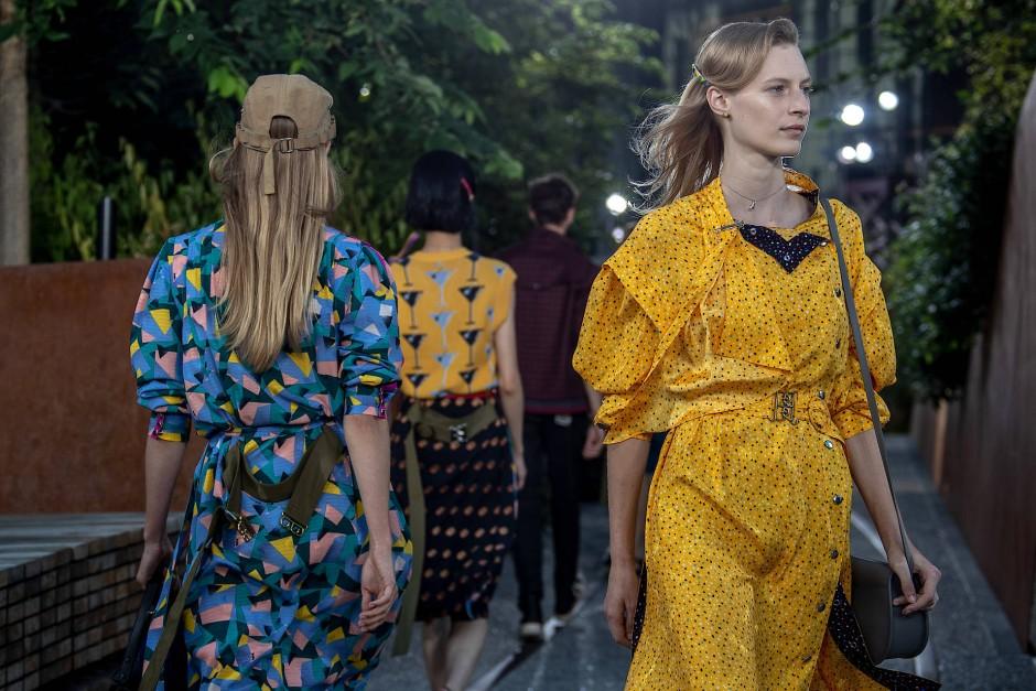 Jetzt also auch Mode, vor allem im Boho-Chic: Die Looks von Coach bei der diesjährigen Fashion Week in New York