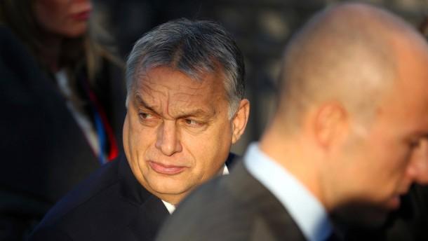 Ein Vorwurf gegen Orbán? Soros muss dahinterstecken!