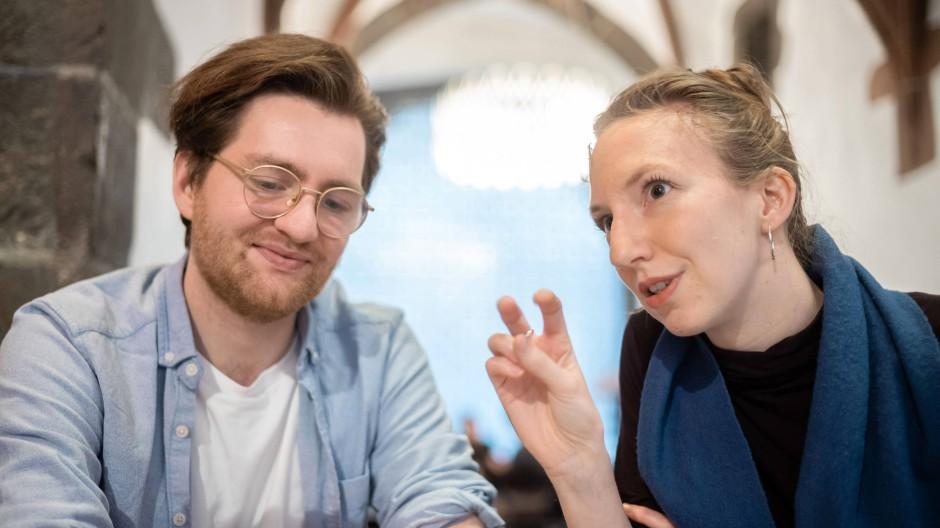 Einsatz für mehr Demokratie: Dominik Herold und Johanna Kocks vom Verein Mehr als wählen