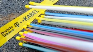 Zweimal Glasfaserkabel für eine Gemeinde