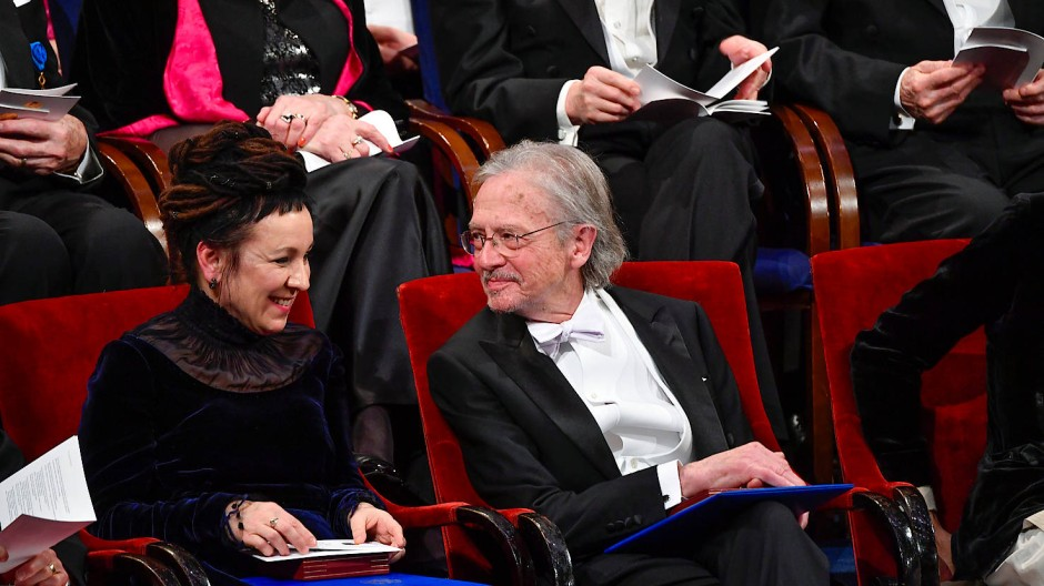 Peter Handke und Olga Tukarczuk bei der Vergabe des Literaturnobelpreises in Stockholm.
