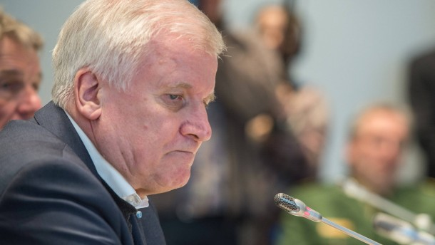 Bayerischer Justizminister verteidigt Seehofer-Äußerungen