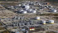 Eine Ölraffinerie des Ölriesen Rosneft im Westen Sibiriens