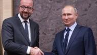 Der Ministerpräsident von Belgien, Charles Michel (links), und der russische Präsident Wladimir Putin bei einem Treffen in Moskau im Januar