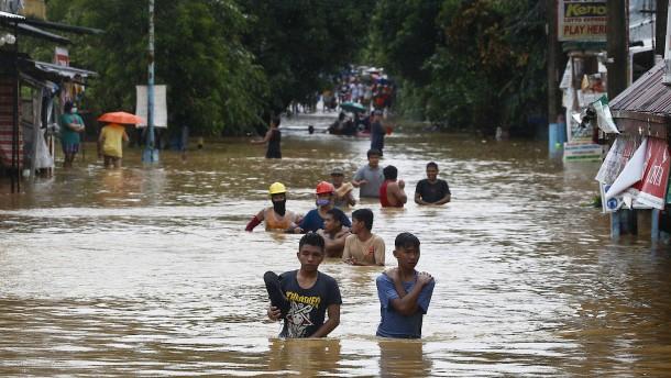"""Taifun Vamco hinterlässt """"Spur der Zerstörung"""" auf den Philippinen"""