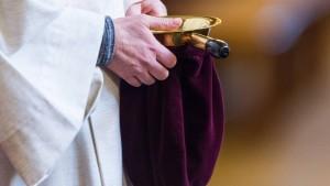 Kirchen erhielten seit 1949 fast 20 Milliarden Euro vom Staat