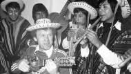 Da feiert er noch, der Sepp Maier in Argentinien im Sommer 1978. Später muss er gegen Österreich dreimal den Ball aus dem Netz holen.