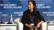 Die Finanzchefin des chinesischen Technologieherstellers Huawei bei einer Veranstaltung des VTB Capital Investment Forum in Moskau im Oktober 2014