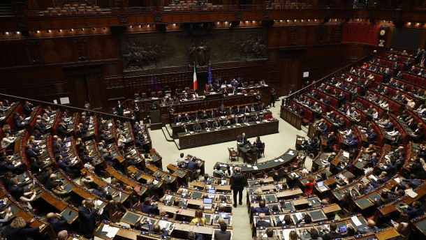 Soll Italiens Parlament kleiner werden?