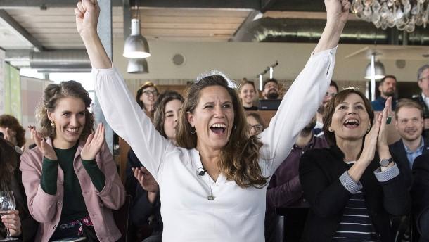 Schweizer stimmen gegen Selbstbestimmung