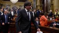 Der katalanische Ministerpräsident Carles Puigdemont bei einer Sitzung des Parlaments am Donnerstag in Barcelona