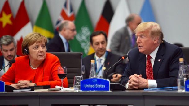 Amerikaner feiern sich für Trump-freundliche Gipfelerklärung