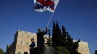 Am Sonntag demonstrierten Gewerkschaftler vor dem Parlament in Athen gegen die hohe Arbeitslosigkeit.