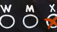 Ein Banner zeigt drei Möglichkeiten für Geschlechter. Doch eine dritte Variante wurde nun höchstrichterlich abgelehnt.