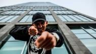 So sieht er sich selbst gern: Der Rapper Capital Bra