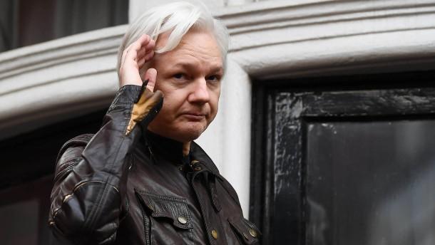 Ärzte sehen Leben von Assange in Gefahr
